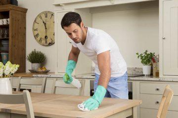 همکاری مرد در خانه